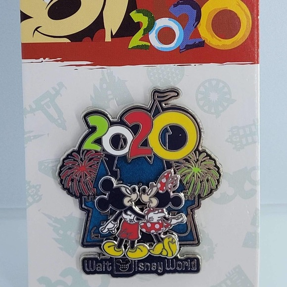 Disney Authentic 2020 pin Mickey and Minnie